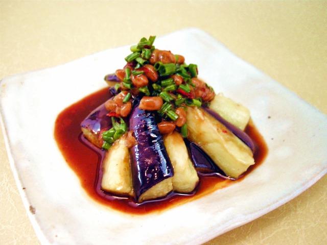 茄子の納豆ピリ辛ネギダレ