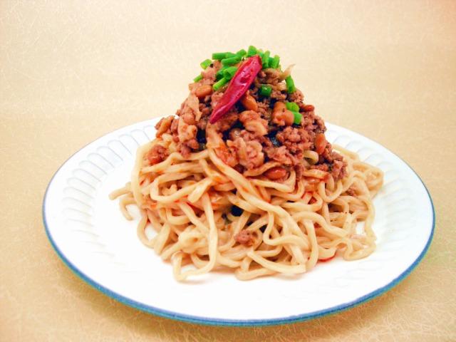 わら納豆と豚ひき肉の汁なし坦々麺