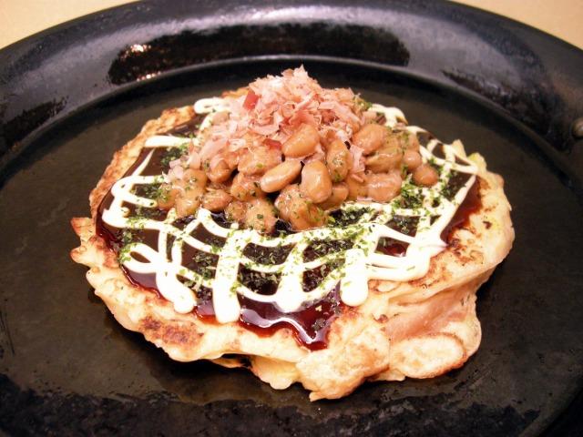 納豆と豚玉レンコンのお好み焼き